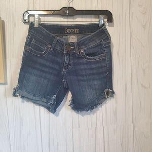Decree distressed denim shorts stretch size 0